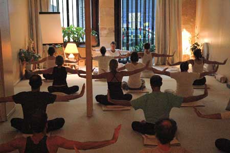 yoga meditation bordeaux posture yoga la percee de letre
